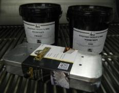 2 X 1L Tubs of Western Willy Wood Chips and a Stainless Steel Smoker Box