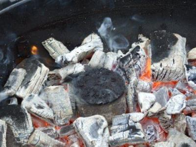 How to Use a BBQ Cast Iron Smoke Pot